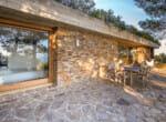 modernist-villa-above-the-sea-8