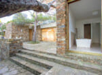 modernist-villa-above-the-sea-9