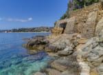 modernist-cliff-villa-by-the-sea-10