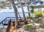 modernist-cliff-villa-by-the-sea-7